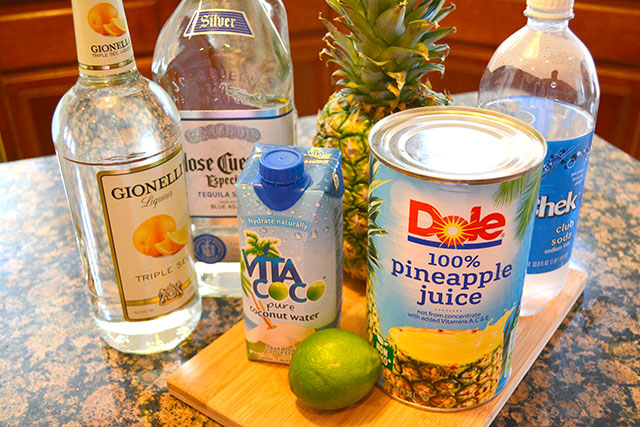 Sparkling Pineapple Coconut Margaritas I Am A Honey Bee